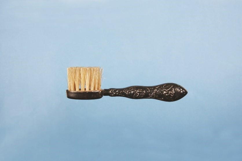 西洋の歯ブラシの始まりは?